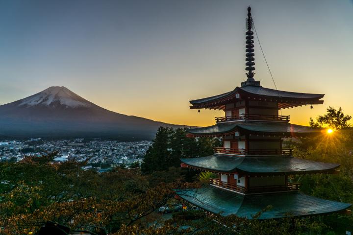 jap pagoda zapad slunce (1 z 1)