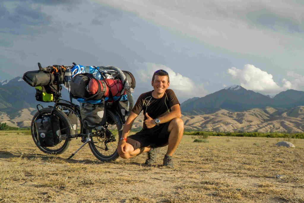skladaci kolo, zachranar na cestach, Kyrgyzstan, tern, cestovatel